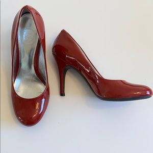 Jessica Simpson Red Patent Leather Pumps